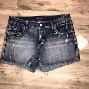 NWT Maurices Plus Size Jean Shorts Distressed 22